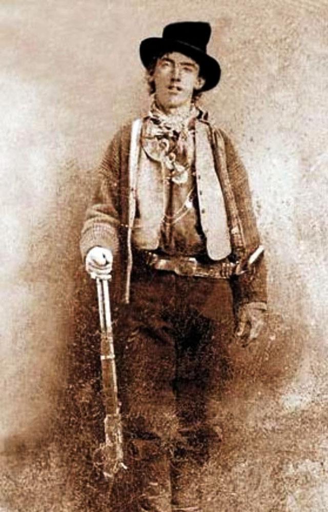 """Единственная фотография Билли Кида, сделанная во времена """"Линкольнской войны"""". Здесь ему 19 лет"""