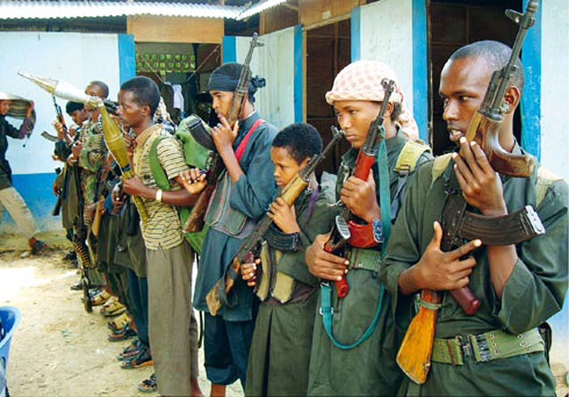 "Somali - Young militants from the Islamist group ""Hizbul Islam""."