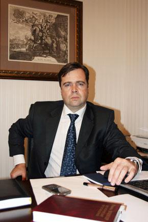 Бельдей Вячеслав Анатольевич, председатель Ассоциации приграничного сотрудничества, директор Института федерализма.
