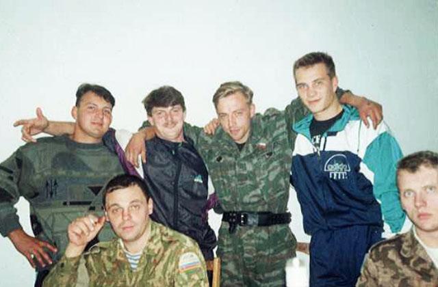 Олег Валецкий с миротворцами в Югославии