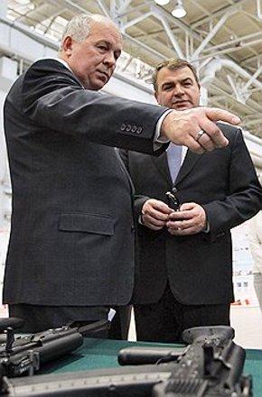 Анатолий Сердюков не остался без места в строю.