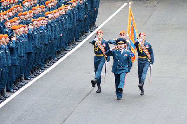 14 высших офицеров МЧС переходят на работу в Минобороны
