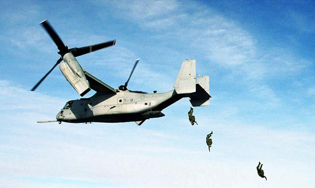 """США не будут проводить учения на конвертопланах """"Оспри"""" на японской Окинаве из-за протестов местного населения"""