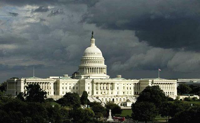 """Сенат США одобрил запрет на сделки Пентагона с """"Рособоронэкспортом"""""""