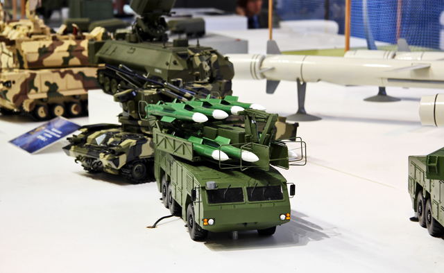 Россия рекордно много заработала на экспорте оружия