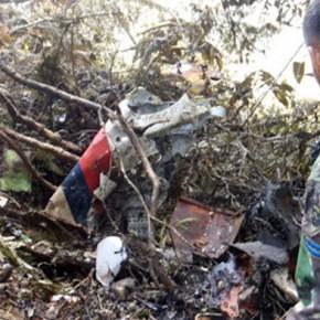 """Новости 18.12.2012: Власти Индонезии назвали причиной крушения """"Суперджета"""" отключение пилотом системы предупреждения."""