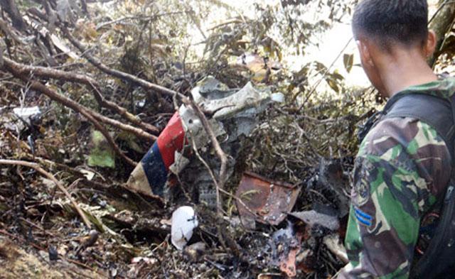 """Власти Индонезии назвали причиной крушения """"Суперджета"""" отключение пилотом системы предупреждения"""