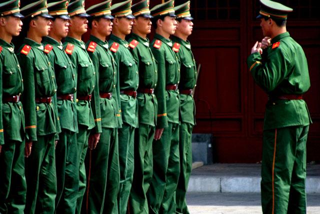 Китайская армия готовится к настоящей войне
