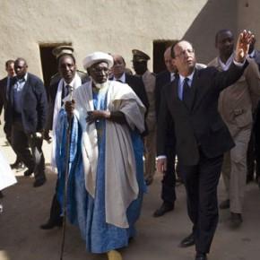 Новости 02.02.2013: Президент Франции прибыл в город Тимбукту на севере Мали
