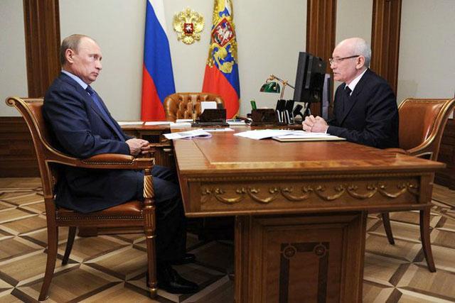 Президент России Владимир Путин и президент Башкирии Рустэм Хамитов, Сочи, 22 мая 2013 г.