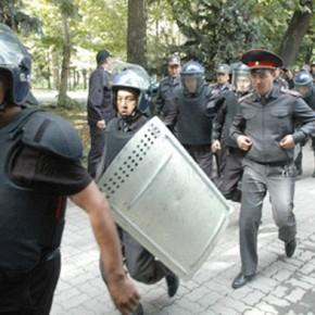 Новости 31.05.2013: Ситуация в Киргизии: митинг из-за рудника Кумтор обернулся столкновениями