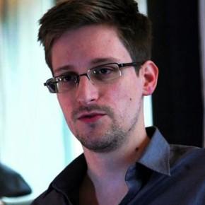 Новости 24.06.2013: Эквадор выдал Сноудену документы беженца, заявляет Wikileaks