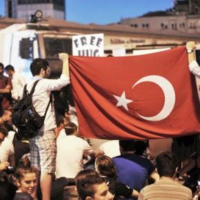 Новости 26.06.2013: Тысячи манифестантов вновь вышли на улицы Стамбула