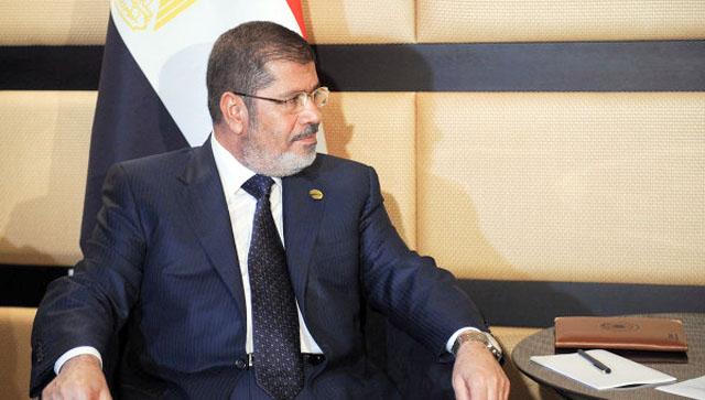 Мурси перевезен в здание министерства обороны Египта
