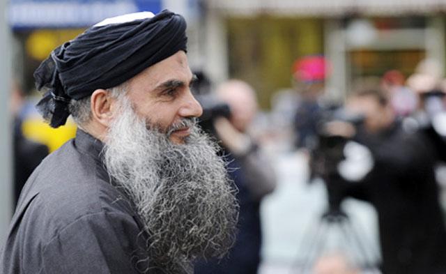 Радикального исламского проповедника Абу Катаду депортировали из Великобритании в Иорданию