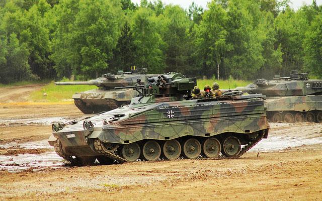 Дворец президента Индонезии получит танковый гараж