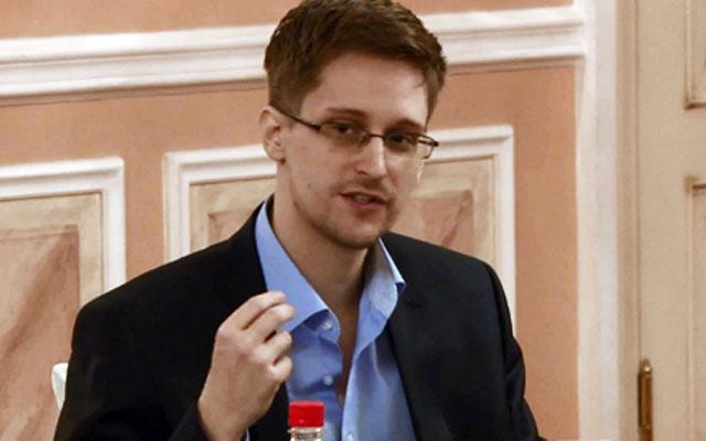Новости 18.10.2013. Сноуден заявил, что не привозил в Россию секретные документы