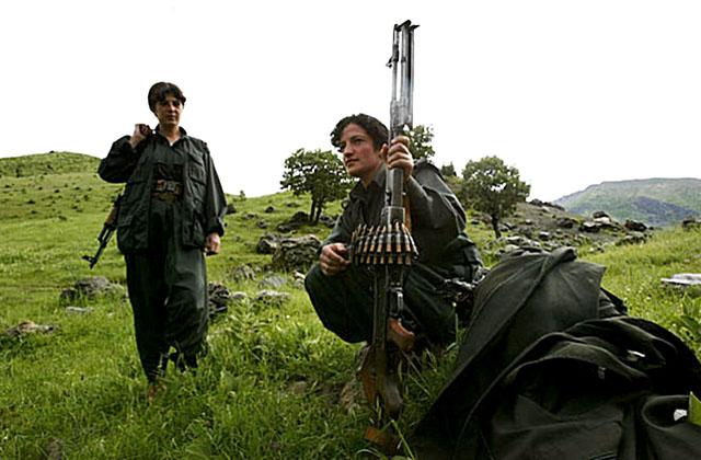 Турция продлила на год боевые операции против курдских боевиков