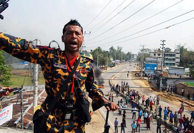 """Правительство Бангладеш """"чистит"""" ряды военных перед выборами"""