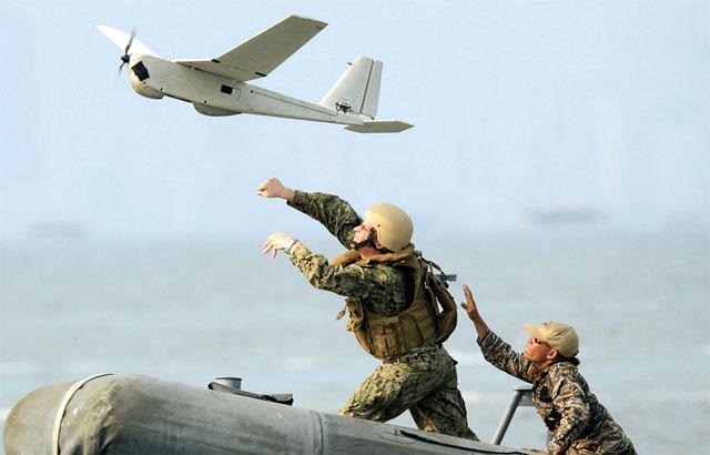 Китай создаст военно-морскую базу на спорном острове Скарборо