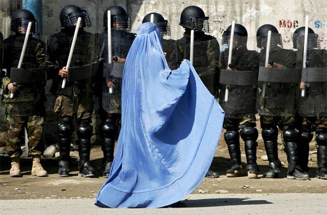"""США платят огромные деньги за афганских полицейских-""""призраков"""""""