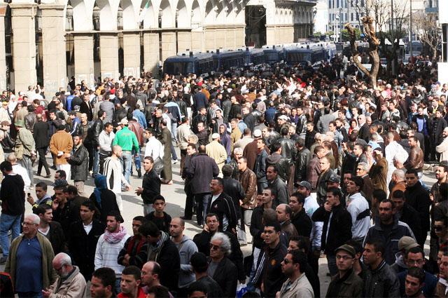 Коммунальная гвардия Алжира выступает против четвертого срока президента Бутефлики
