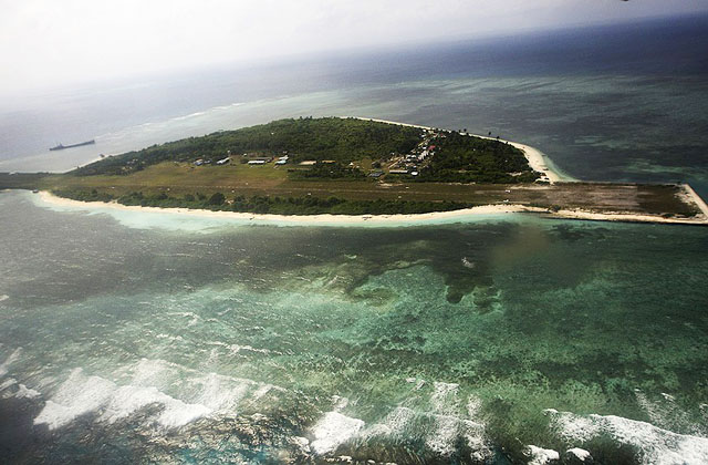 Филиппины обошли китайскую блокаду Спратли с помощью воздушного моста