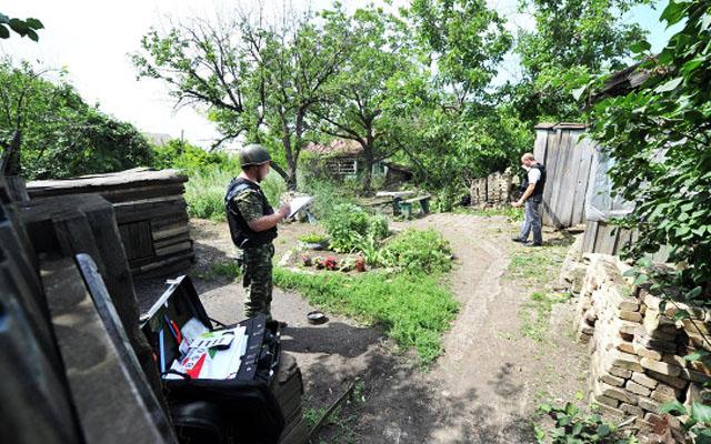 Новости 13.07.2014. Источник: снаряды с Украины упали во дворы двух домов в Донецке