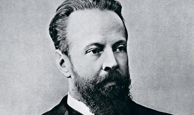 Усилиями министра финансов С. Ю. Витте в 1895 году русский национальный алкоголь — хлебное вино — был заменен суррогатом — современной водкой
