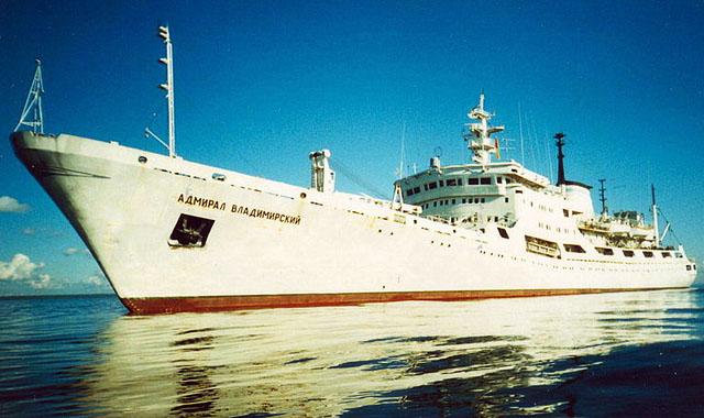 Океанографическое исследовательское судно «Адмирал Владимирский» — построено по проекту 852 на Щецинской верфи им. Барского в 1975 г.