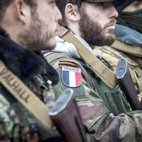 «Начать жизнь с нуля». «Лента.ру» поговорила с французскими добровольцами, воюющими в Донбассе