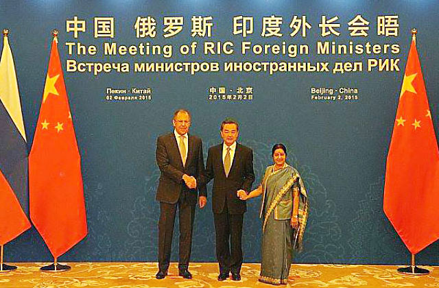 REGNUM. Возможен ли треугольник Россия — Индия — Китай?