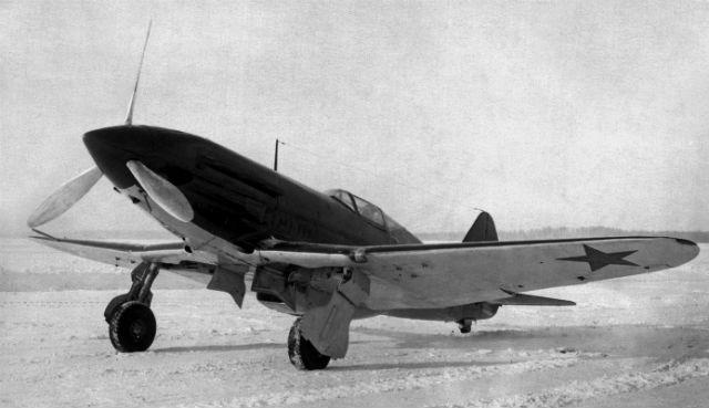 Серийный истребитель МиГ-3, выпущенный авиазаводом №1 им. Авиахима в декабре 1940 г.
