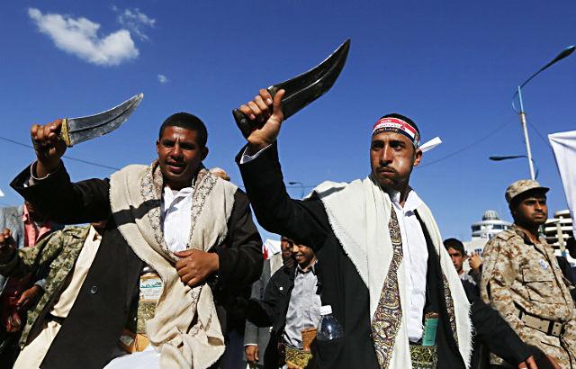 Новости 09.04.2015. Части йеменской армии, перешедшие на сторону повстанцев, захватили город Атак
