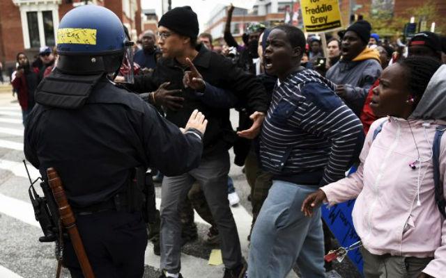 Новости 28.04.2015. Губернатор Мэриленда объявил режим ЧП из-за беспорядков в Балтиморе