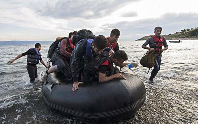 Новости 07.06.2015. За сутки патрули ЕС выловили в Средиземном море более 3400 нелегалов