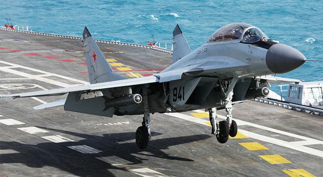 Корабельный многофункциональный истребитель МиГ-29К/КУБ