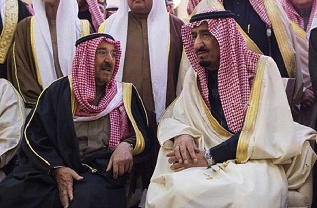 король Саудовской Аравии Салман Ибн Абдул-Азиз Аль-Сауд (справа) и эмир Кувейта Сабах Аль-Ахмед Аль-Джабер Ас-Сабах