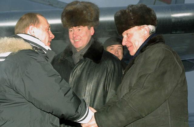 Александр Васильевич Филипенко (справа)