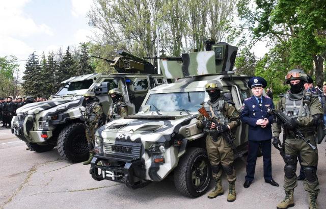 Новости 01.09.2015. Киевская милиция будет патрулировать центр города на бронеавтомобилях