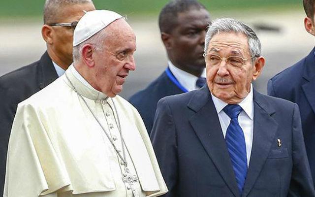 Новости 20.09.2015. Компартия Кубы потребовала от своих членов посетить мессу Папы Римского