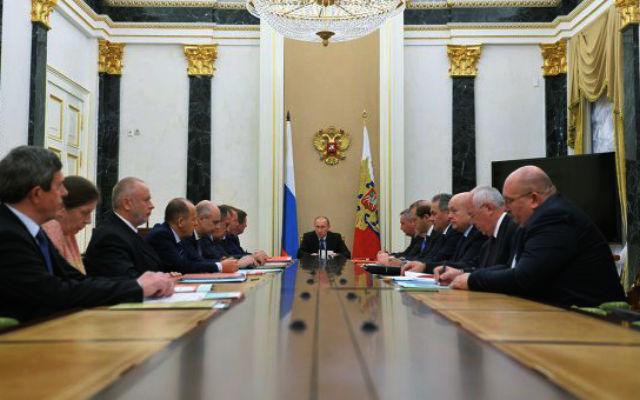 Новости 26.10.2015. Путин: соперничество на мировом рынке вооружений заметно обострилось