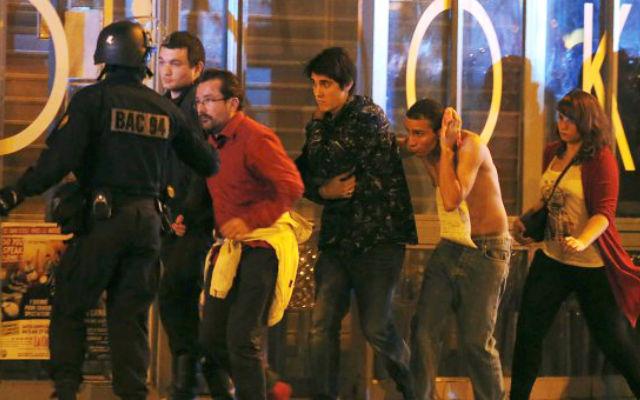 Новости 14.11.2015. Олланд: жертвами серии терактов в Париже стали 127 человек