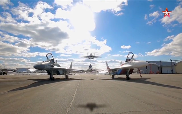 МиГ-29. Летающий над Кремлем. Военная приёмка. Ведущий Алексей Егоров