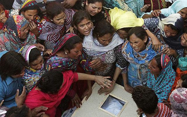 """Радио """"СПУТНИК"""". """"Эти чудовища потом живут своей жизнью"""". Цель взрыва в парке Гульшан Икбал - столкнуть религиозные общины Пакистана"""