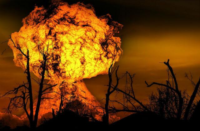 """ИА """"URA.RU"""". НАТО иРоссия начали войну нервов. Это страшнее Карибского кризиса.Куда приведут угрозы ядерных держав? Военные эксперты обазах наКубе и«врагах уворот»"""