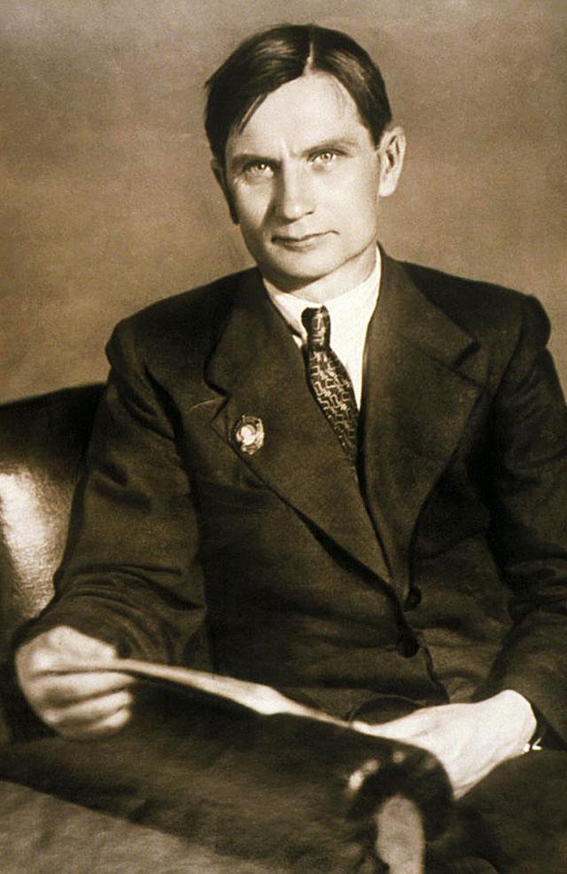 Лысенко Трофим Денисович (1898[3]–1976) — советский агроном и биолог, директор Института генетики АН СССР с 1940 по 1965 годы