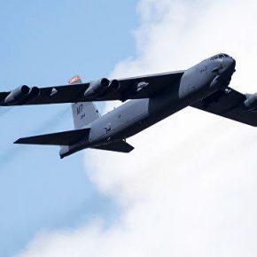 РАДИО «Спутник». Военный эксперт о приведении в готовность В-52: США демонстрируют решимость