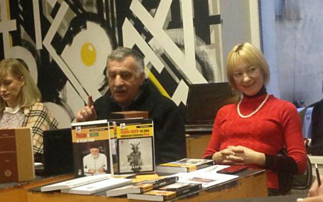 Кавказ - Санкт-Петербург: обсудим всё. Справа-налево: Яна Амелина, Ваган Бабаханян