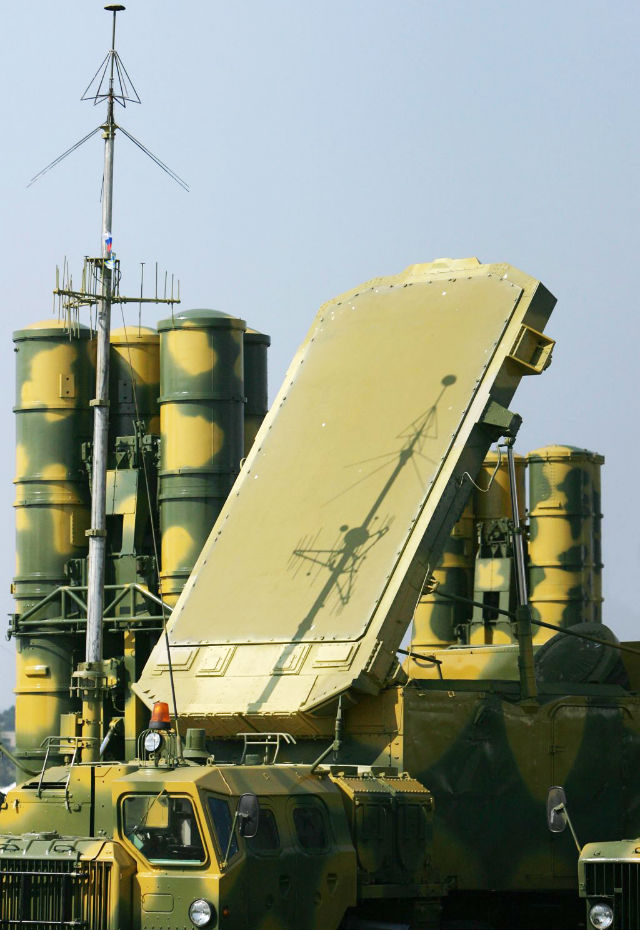 С ПРАЗДНИКОМ! Всю мощь ПВО России собрали в одном видео